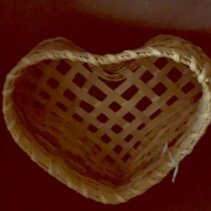 HEART WICKER BASKET VINTAGE